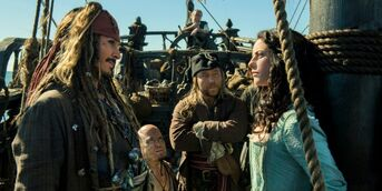 Johnny-depp-and-kaya-scodelario-in-pirates-of-the-caribbean-5