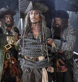 1492707531 dzhonni depp prodolzhit s emki v piratah karibskogo morya 5