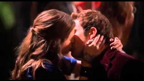 Pitch Perfect Final Kiss (Beca and Jesse)