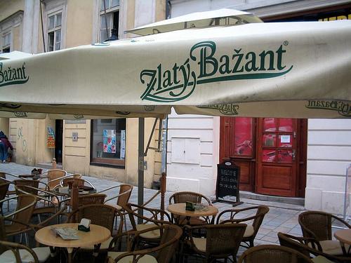 Plik:Zlatý Bažant - pub.jpg