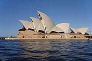 220px-Sydney opera house side view