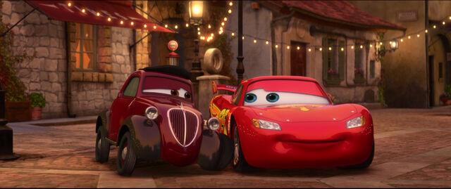 File:Cars2-disneyscreencaps.com-6715.jpg