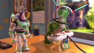 Buzz Lightyerex tory 2