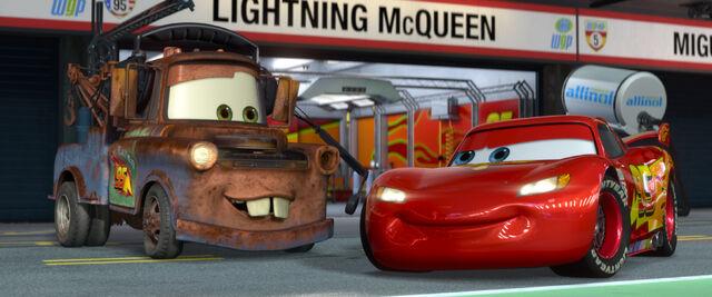 File:Mater McQueen Cars 2.jpg