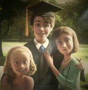 Andy-s-Graduation-Toy-Story-3-disney-12064308-386-392