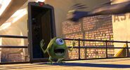 Nemo-Trailer door-Monsters-Inc