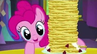 Pinkie Pie stacking pancakes