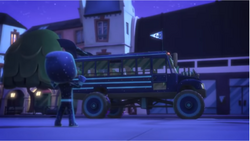 Ninja Bus