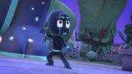 Night Ninja sees the Super Cat Stripes coming towards him 01