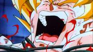 Goku w uścisku