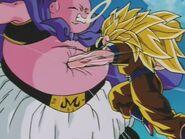 Goku SSJ3 kontra Majin Bu (25)