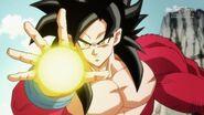 Goku; Xeno vs. Goku (3) (SDBH, odc. 001)