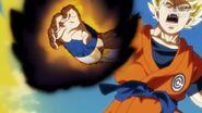 Goku traci kontrolę (1) (SDBH, odc. 002)
