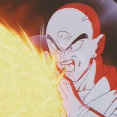 Tiānjīnfàn atakuje Majin Bū swoim Kikō-Hō