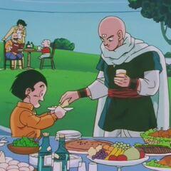 Urodziny Bulmy. Tiānjīnfàn nakłada Kulilinowi sandwicha