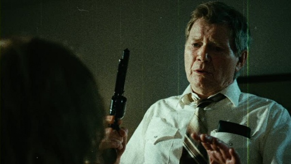File:Earl sees the infected Romona..jpg