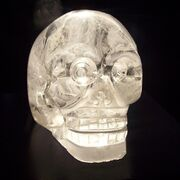 800px-Crystal skull in Musée du quai Branly, Paris