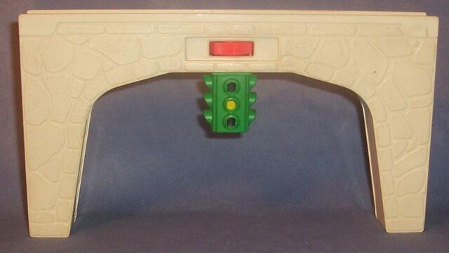 File:Grey Bridge Connector.jpg