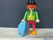 99060707-playmobil-clown-3919