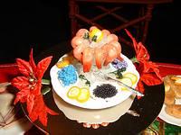 File:Shrimp & Caviar on Ice Platter.jpg