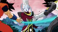 Whis pokonuje Vegetę i Goku (SDBH, odc. 001)