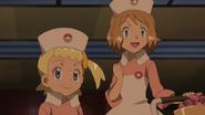XY083 Serena en Bonnie verkleed als Zuster Joy
