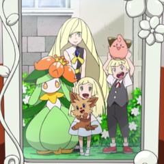 Семейное фото в доме Лили