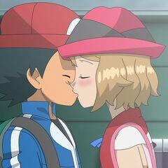 Серена целует Эша, признаваясь ему в своих чувствах к нему