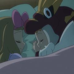 Серена и Бонни спят вместе