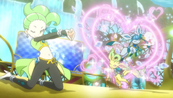 Sara Lee Leafeon Glaceon Attract
