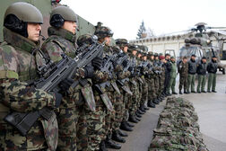 Slovenian soldiers with F2000 S rifles