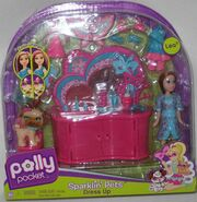 Polly Pocket Sparklin' Pets Dress Up Lea