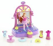 Polly Pocket Dance 'n Groove Ballet-licious Lea Doll
