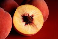 800px-Autumn Red peaches