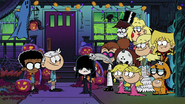 Loud Family dressed up for Halloween (2)