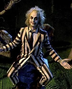 2ebc65a661df3da311294af9b4e33ea7--beetlejuice-movie-beetlejuice-costume