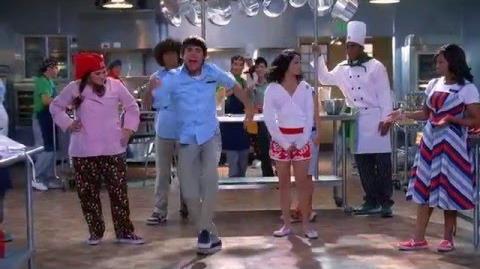 High School Musical 2 - Work This Out (Lyrics) 720HD-2