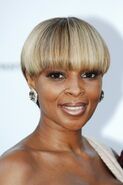 Short-Cut-Hairstyles-for-Black-Women 35