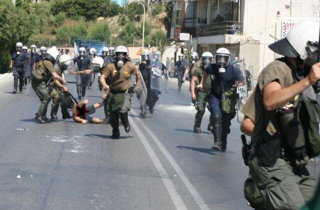 File:Greek riot police 2.jpg