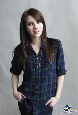 Emma-roberts-21-a