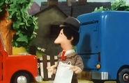 PostmanPatandtheMagpieHen36