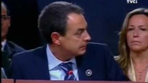 "King Juan Carlos to Chávez ""Shut up"" (ENGLISH SUBTITLES)"