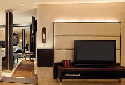 Oberoi Zahra Luxury Suite inside