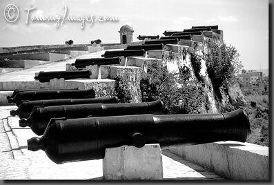 Cuba 01 E 6 20-Cnnons