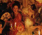 Rose-in-Marie-Antoinette-rose-byrne-6770567-623-514