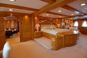 Mega-yacht-other-88514-nero-interior-095