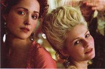 Rose-in-Marie-Antoinette-rose-byrne-6770563-1440-946
