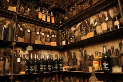 Cellars-of-La-Tour-dArgent-2