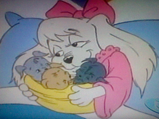 File:Lucy and her puppies.jpg