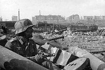 270px-Njemacki-vojnik-kod-staljingrada